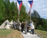 Pomník II. světové války u Horního Čepí při vzpomínkovém shromáždění