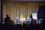 Scéna z divadelního představení