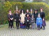 Společná fotografie ze sletu čarodějnic v Ujčově