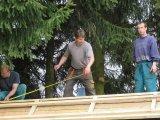 Pohled na dobrovolníky na střeše