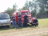 SDH Věchnov u svého hasičského vozu