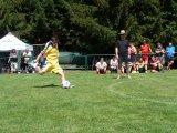 Hráč kope do míče