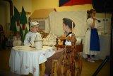Pantáta a Jindřich u stolu